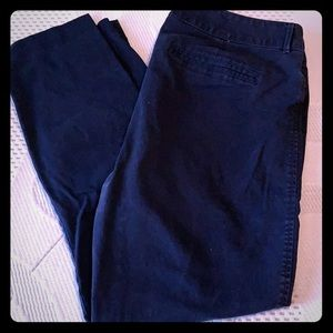 🔥 Old Navy Pixie Cut Navy Capri Pants